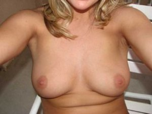 Leonia cuckold women Mounds View