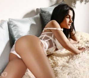 Yoleine escorts in Newport Pagnell, UK